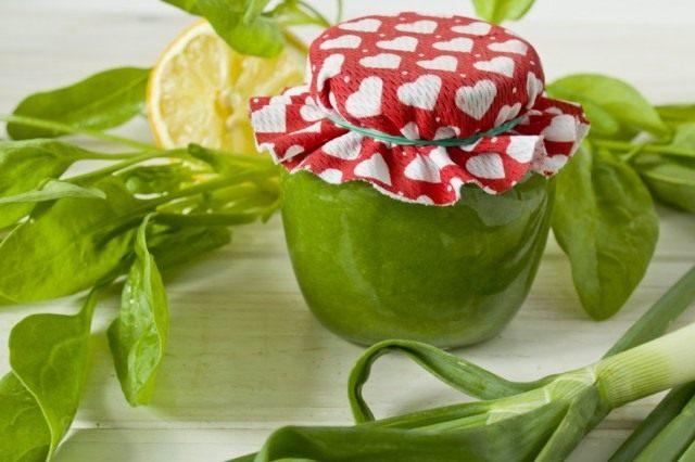 Пюре из шпината и зелёного лука на зиму