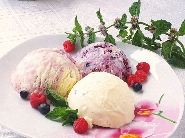 Домашнее мороженное сливочно-фруктовый пломбир