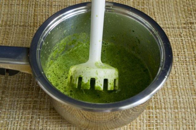 Измельчаем овощи с добавление овощного бульона