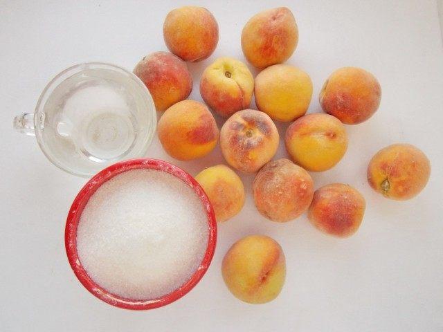 Ингредиенты для домашнего консервирования персиков