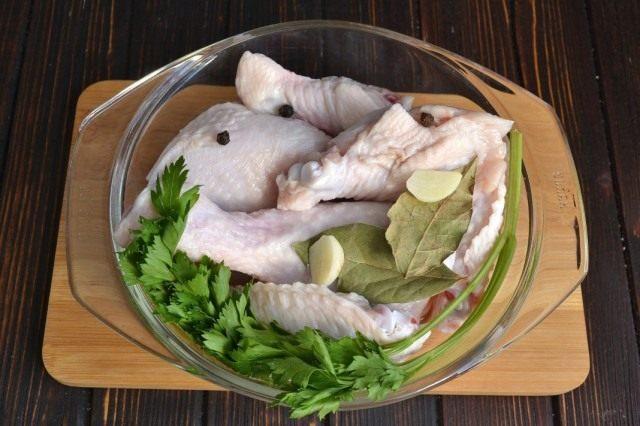 Подготовим курицу для отваривания