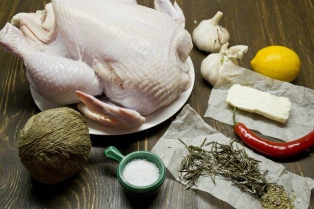 Ингредиенты для курицы, запечённой в духовке целиком