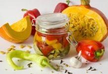 Салат с тыквой и сладким перцем в ароматном маринаде на зиму
