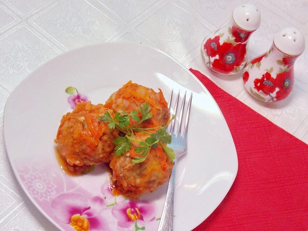 Тефтели, запечённые в томатной подливке