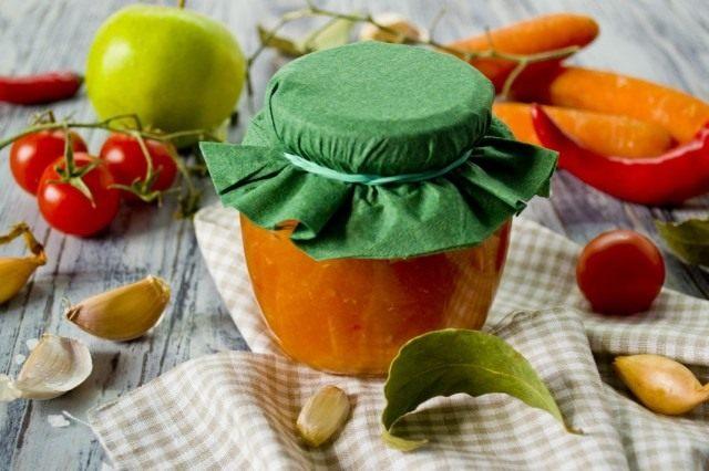 Соуса из помидоров с морковью и яблоками на зиму