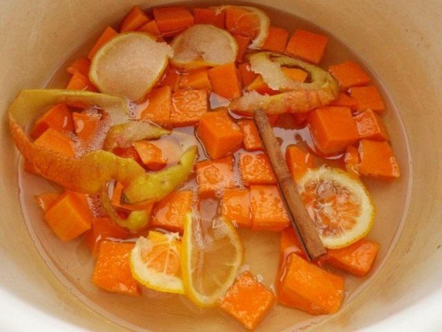 Отвариваем сироп с тыквой и даём полностью остыть
