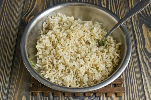 Отвариваем рис