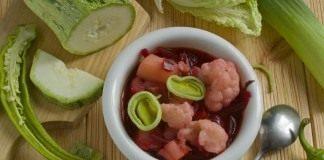 Вегетарианский борщ с цветной капустой и цуккини