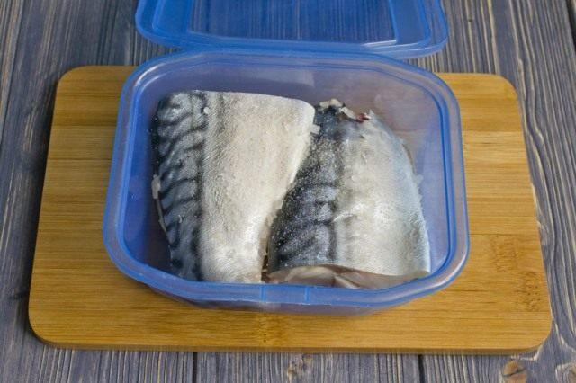 Скумбрия солёная в рассоле в домашних условиях быстро