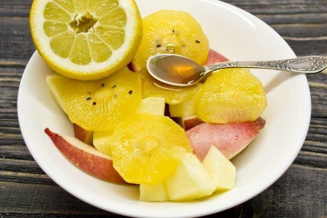 Добавляем сок лимона
