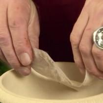 На керамзит выкладываем разделительный слой из нетканого материала