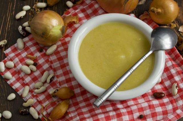 Крем-суп из консервированной фасоли