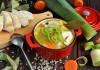 Рисовый суп с куриной грудкой и луком пореем