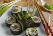 Суши маки с красной рыбой
