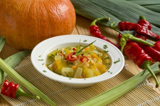 Лёгкий вегетарианский суп – постные щи из капусты с тыквой