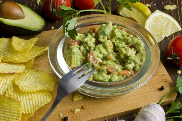 Гуакамоле — соус из авокадо
