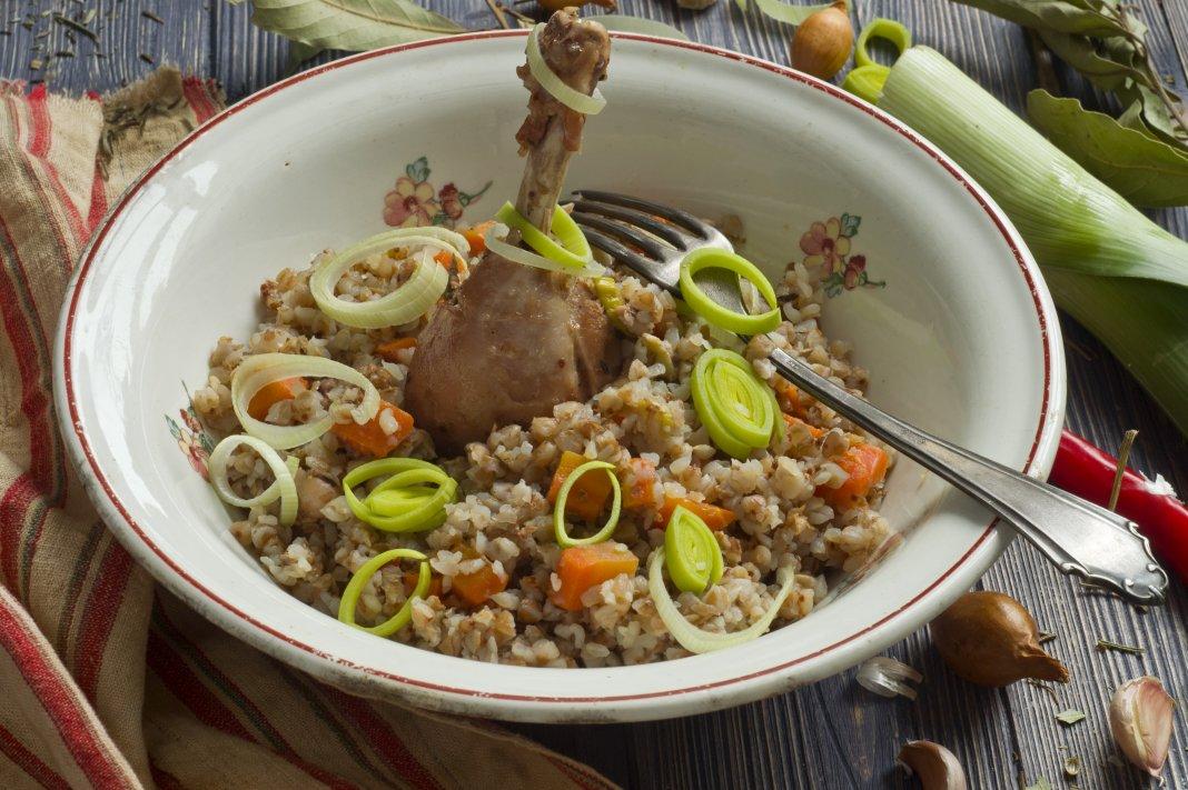 Картошка с мясом в горшочках рецепт с фото пошагово
