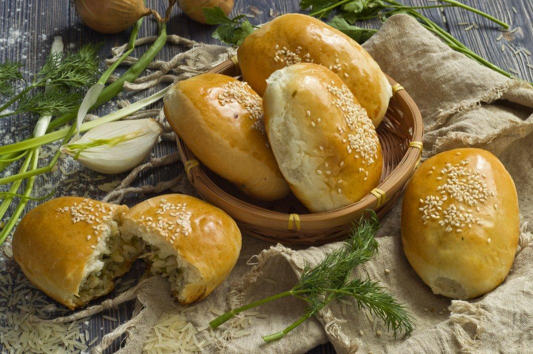 Пирожки с яйцом и луком рисом в духовке пошаговый рецепт 107