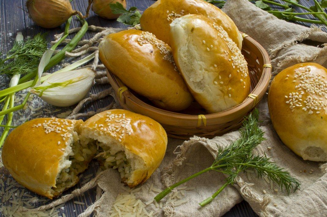 Пирожки с яйцом - домашних вкусных рецептов приготовления.