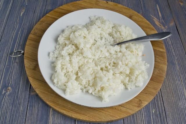 Отвариваем круглый рис для начинки пирожков