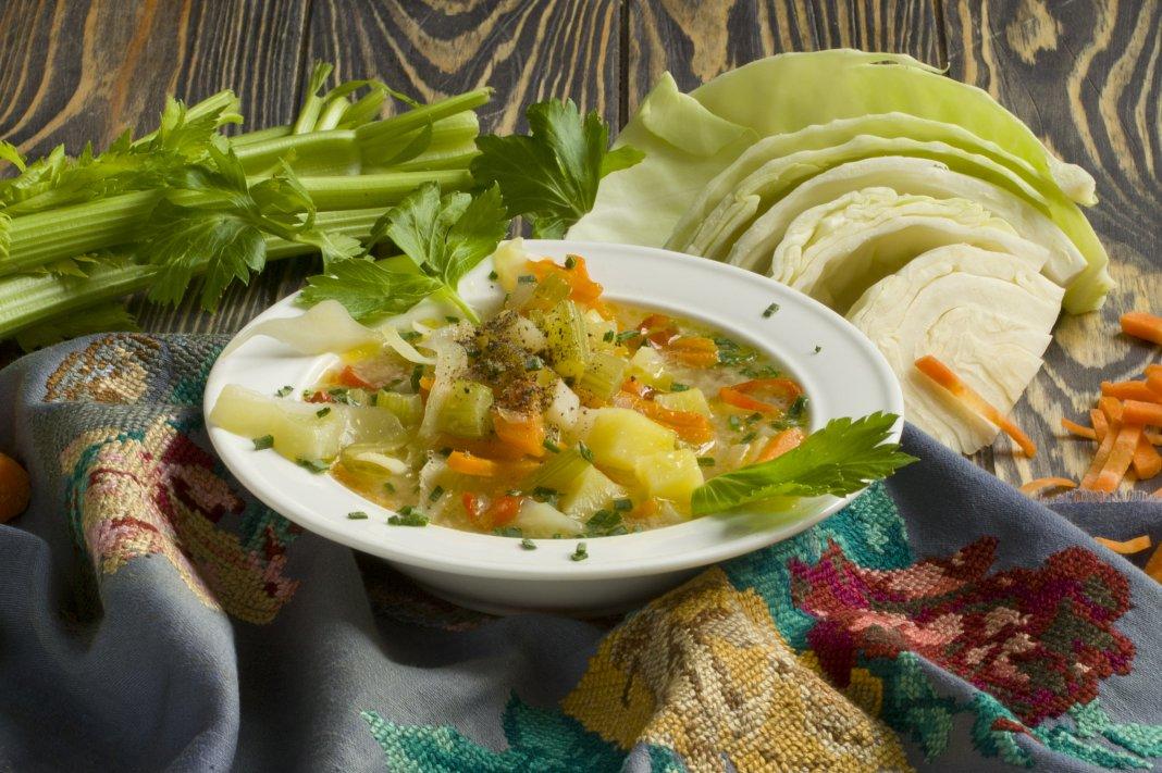 блюдо из свежей капусты