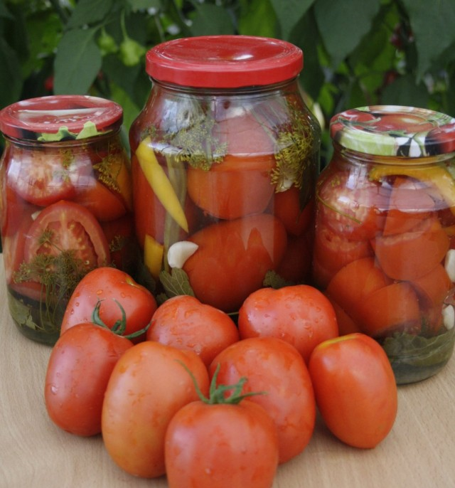 «Царские» томаты идеальны для любого вида заготовок. Как целыми плодами, так и дольками