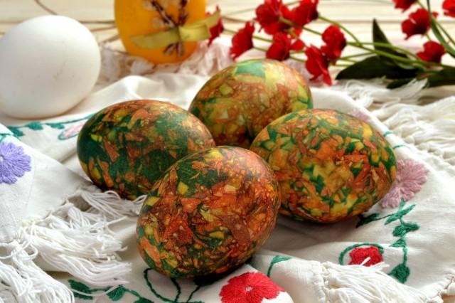 Mramornye-iaitca-na-Pashu-04-640x426 Мраморные яйца на Пасху: как покрасить своими руками