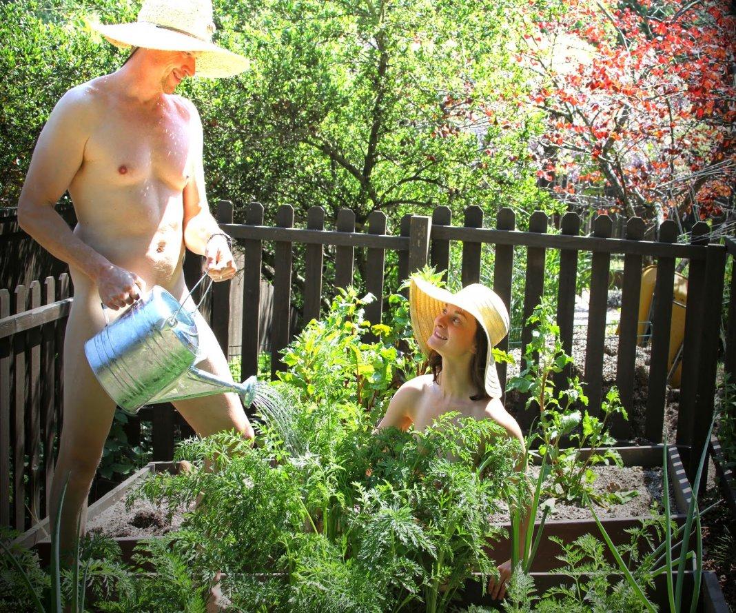 Naked-Gardener
