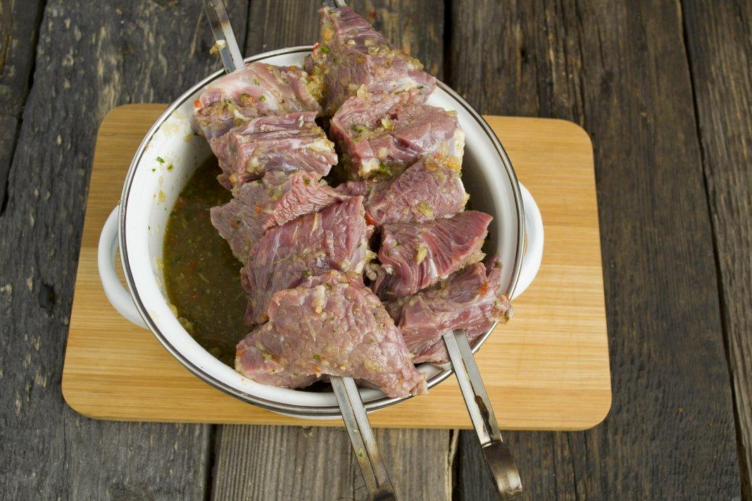 Как сделать шашлык сочным из говядины