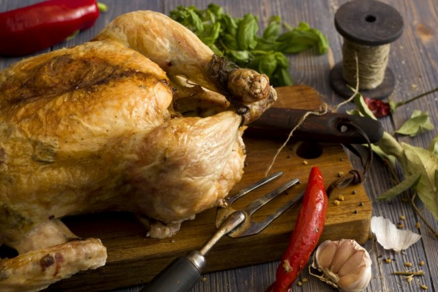Запечённая на соли курица