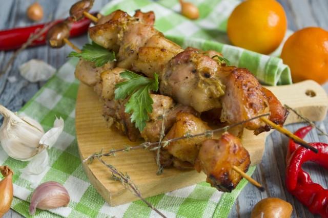 Шашлык из свинины на шпажке в духовке