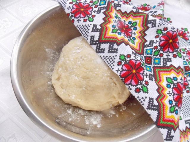 Замешиваем тесто для цитрусового хлеба и оставляем его подходить