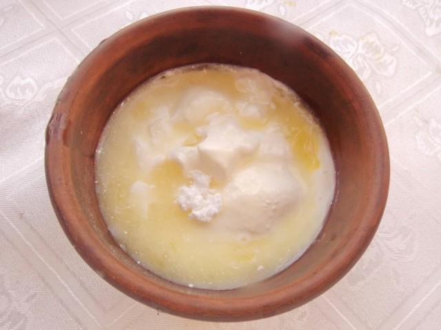 Готовим сливочную глазурь для цитрусового хлеба