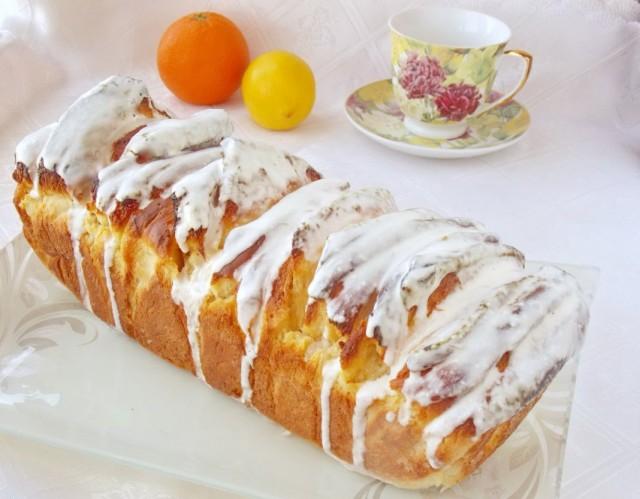 Цитрусовый хлеб со сливочно-лимонной глазурью