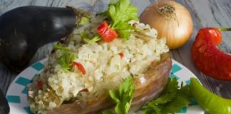 Баклажаны, фаршированные рисом и курицей