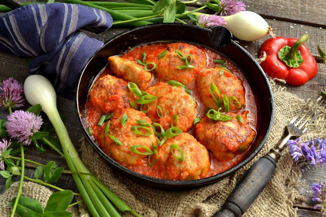 Тефтели в духовке с томатным соусом рецепт 154