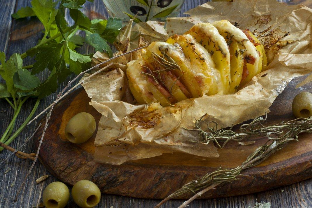 Запеченая картошка гармошкой в фольге