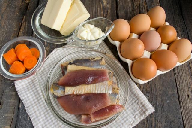 Ингредиенты для приготовления закуски из яиц фаршированных селёдкой и плавленым сыром