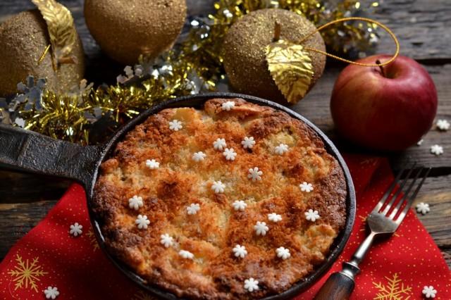 Вкусный пирог с яблоками и кокосом