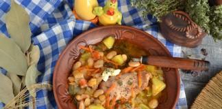 Рассольник с курицей и фасолью
