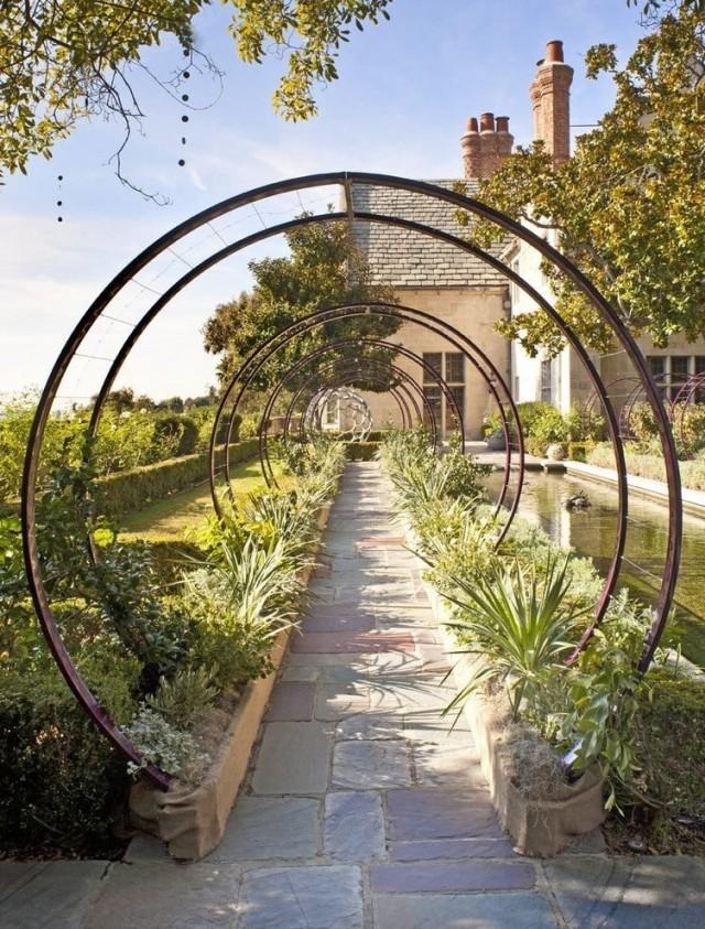 Минималистические решения в саду