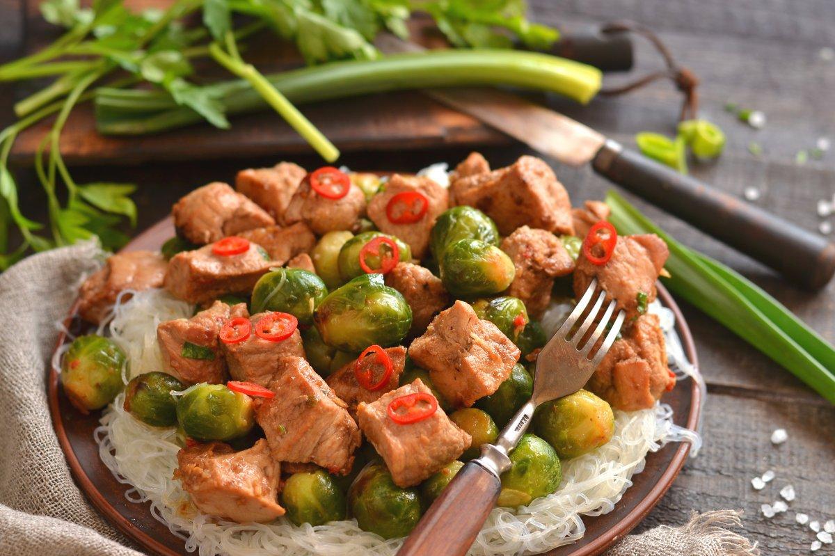 Приготовить из мясо простое блюдо