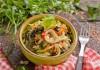 Крабовый салат с огурцом и грибами
