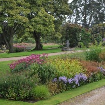 Место, где соединяются флиристический лабиринт Удольфа и итальянский сад Стюарта-Смита