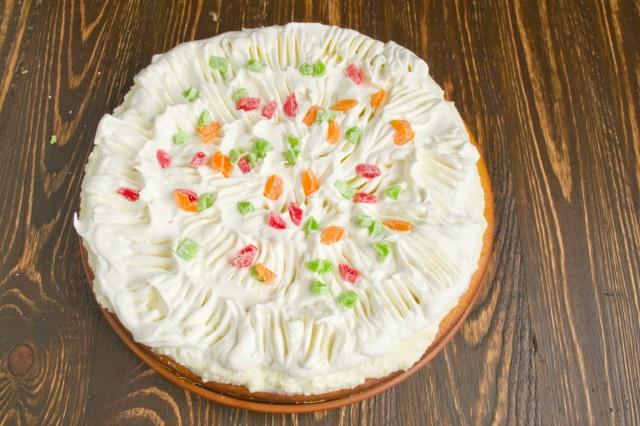 Украшаем торт цукатами