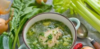 Зелёные щи со шпинатом