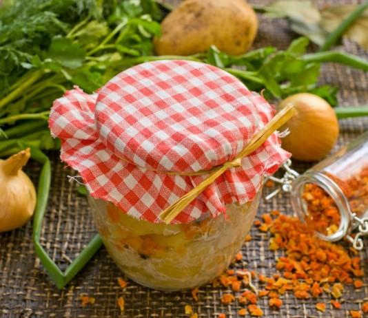 Домашняя заготовка в банке — курица с картошкой