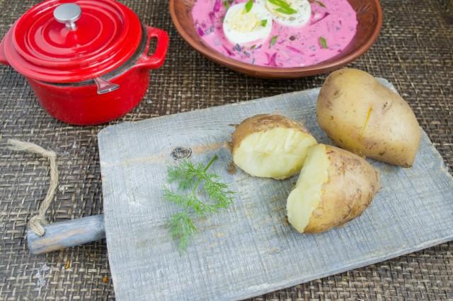 Картофель посыпаем укропом