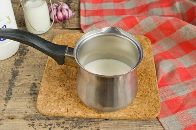 Доводим молоко до кипения