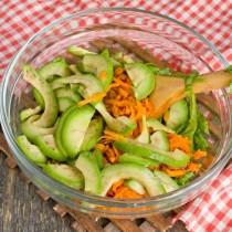 Добавляем в салат авокадо